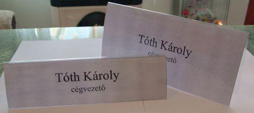 Asztali névtábla